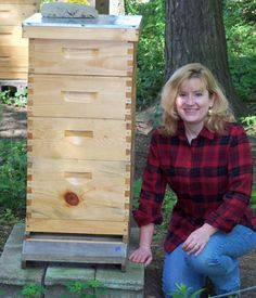 Honey Harvest - Part One - Homesteading and Livestock - MOTHER EARTH NEWS