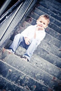 This would be a nice picture for Gabriel - - Little Boy Photography, Boy Photography Poses, Toddler Photography, Outdoor Photography, Family Photography, Nice Photography, Kind Photo, Nice Picture, Teen Fotografie