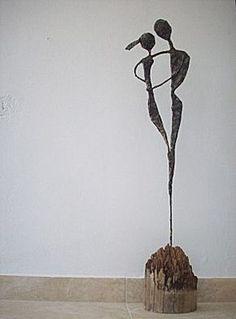 Other ideas do craft idea Figurines Sculpture Metal, Paper Mache Sculpture, Wire Sculptures, Sculpture Lessons, Sculpture Projects, School Art Projects, Wire Crafts, Wire Art, Art Plastique