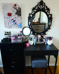 Loving my new vanity!  I feel more inclined to wake up and beat that face!