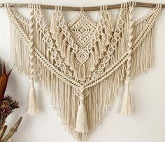 Macrame Art, Macrame Design, Art Macramé, Arts And Crafts, Diy Crafts, Large Macrame Wall Hanging, Macrame Patterns, Make And Sell, Decoration