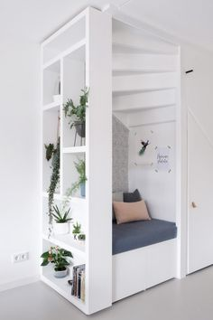 Kim& favorite nook - A good story - Het favoriete hoekje van…Kim – Een goed verhaal Kim& favorite nook – A good story - Style At Home, New Room, Home Living Room, Home Fashion, Home Interior Design, Room Inspiration, Small Spaces, New Homes, Room Decor