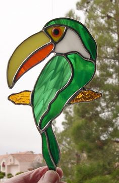 Stained Glass Toucan Bird 449 by StainedGlassbyWalter on Etsy Stained Glass Ornaments, Stained Glass Birds, Stained Glass Suncatchers, Stained Glass Panels, Stained Glass Projects, Stained Glass Patterns, Broken Glass Art, Sea Glass Art, Mosaic Glass