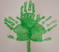St Patrick's Day Crafts Ideas: Searching for Unique Ideas of St Patrick's Day 2018 Crafts. I will share All Easy St Patrick's Day Crafts which you can make yourself at your Home. with home stuff / materials St Patrics Day Crafts, St Patricks Day Crafts For Kids, Daycare Crafts, Classroom Crafts, March Crafts, Kids Crafts, Classroom Ideas, St Patricks Day Hut, Saint Patricks