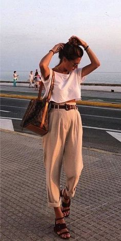 Womens Fashion - casual beautiful outfits high waisted belted trouser sandals white shirt t shirt tank crop top summer fashion Mode Outfits, Fashion Outfits, Capsule Outfits, Fashion Hacks, Fashion Tips, Look Boho, Looks Style, Mode Inspiration, Mode Style