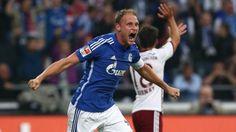 Błąd sędziego w meczu Schalke Gelsenkirchen vs Bayern Monachium • Niesłusznie uznany gol Benedikta Hoewedesa • 2 kolejka Bundesligi >>