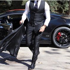 """55 Likes, 2 Comments - Mens Fashion & Suits (@suitsharks) on Instagram: """"#allblackeverything •  @absolutebespoke"""""""