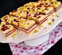 Juditka konyhája: HARLEKIN SZELET Cake Cookies, Cupcake Cakes, Sweet Cakes, Garlic Bread, Something Sweet, Cake Recipes, Food And Drink, Sweets, Snacks