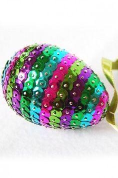 Színes húsvéti tojáska