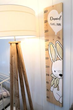 Diy Furniture Projects, Kids Furniture, Diy Bebe, Height Chart, Kids Room Wall Art, Baby Room, Child Room, Types Of Wood, Diy For Kids