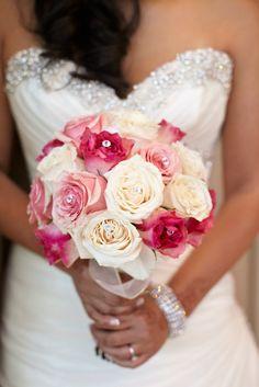 @Roxana Greszta Rad   white and pink rose bouquet