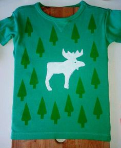 Refashion kids t shirt with stamps (and a cookiecutter). Moose in forest. DIY.