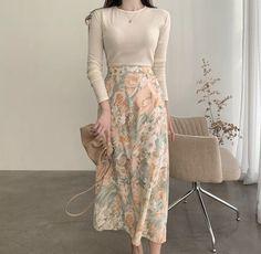 Korean Girl Fashion, Korean Fashion Trends, Korean Street Fashion, Ulzzang Fashion, Muslim Fashion, Asian Fashion, Modest Fashion, Look Fashion, Skirt Fashion