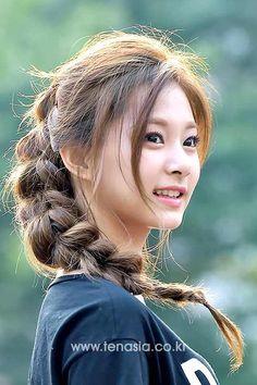Twice Tzuyu 周子瑜 Cute Asian Girls, Cute Girls, Korean Beauty, Asian Beauty, Foto Picture, Twice Tzuyu, Beautiful Asian Women, Stunning Women, K Pop