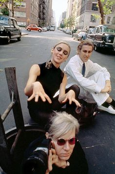 EDIE SEDGWICK WALKING / DRIVING TOUR Sutton Place, Eastern end of East 58th Street, Near 2 Sutton Square: The location of the manhole that Andy Warhol, Edie Sedgwick and Chuck Wein were photographed posing around by Burt Glinn in 1965 is on the eastern end of East 58th Street. For those of you who are unable to run over to Sutton Place to pay homage, here's a link to Google Maps > https://www.google.com/maps/ Edi Edy Sedwick Sedgewick Factory Pop Art Modern #EdieSedgwick #EdieWalkingTour