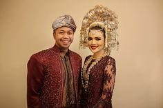 Pernikahan dengan adat Minang di Le Meridien - www.thebridedept.com