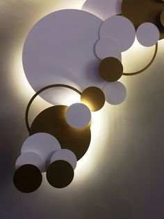 Circles, cylinders in metals backlit