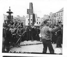 Cherbourg (Cherbourg-Octeville, Manche ; ancienne commune) -- Place du château (alias place du marché, place du théâtre) - 12 photographies dont la visite du général De Gaulle