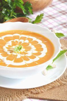 Pożywna zupa dyniowa