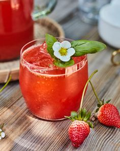 Strawberry Basil Lemonade Strawberry Basil Lemonade, Strawberry Sangria, Strawberry Blueberry, Pink Lemonade, Strawberry Recipes, Summer Desserts, Summer Drinks, Summer Recipes, Summer Food