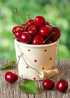 Cherry Fruit, Fruit And Veg, Fruits And Vegetables, Fresh Fruit, Vegetable Pictures, Cherries Jubilee, Bountiful Harvest, Fruit Photography, Beautiful Fruits