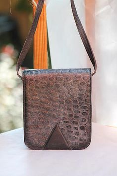 Vintage Handbags - distressed satchel