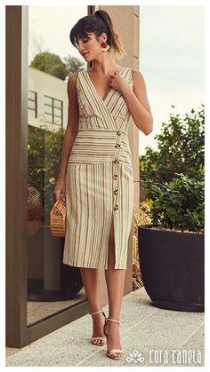 Elas Usam Cora Canela – Cora Canela Robes Western, Western Dresses, Linen Dresses, Casual Dresses, Fashion Dresses, Summer Office Casual, Fashion Over 50, Girl Fashion, Silk Dress