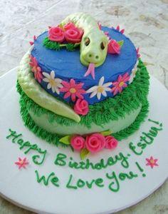 Esther's Snake Cake By christeena on CakeCentral.com