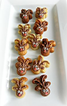 Turn your gingerbread man upside down to make a reindeer! Creative food craft ideas | Edible Crafts | CraftGossip.com