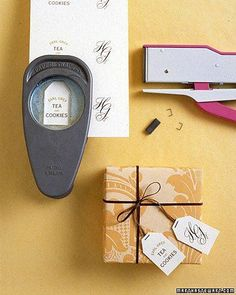 Free Printable Wedding Favors | POPSUGAR Smart Living - Give your guests the gift of tea! These tea-bag-inspired labels are perfect for a box of tea and biscuits.
