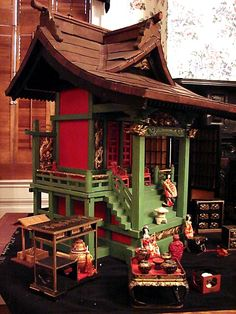 "Mahoney DollHouse 019.JPG 480×640 (jt- Japanese Palace C1920 - came from the Japanese Embassy in France complete with furniture, 29"" tall. Wonderful!)"