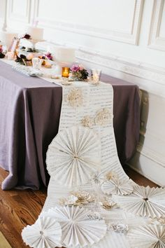 DIY Paper rosette table runner - Kohl Mansion Wedding by Emily Scott of Gem Photo - via Handmade Wedding, Diy Wedding, Wedding Blog, Gold Wedding, Do It Yourself Decoration, Paper Rosettes, Paper Flowers, Wedding Decorations, Table Decorations