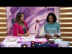 Mulher.com - 22/08/2016 - Almofada com aplique bonequinha - Rafaela Bartolini…