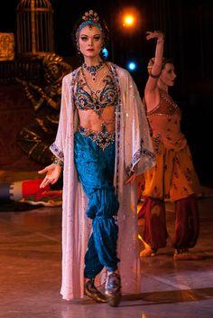 "Ulyana Lopatkina as ""Zobeide"" in ""Schéhérazade"", Mariinsky Ballet. - Ballet beautie, sur les pointes !"