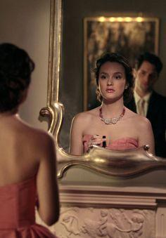 Blair Waldorf (Leighton Meester) and Dan Humphrey (Penn Badgley) - Petty in pink