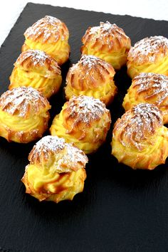 Vanilla caramel cream puffs recipe, these vanilla caramel cream puffs are filled with vanilla pastry cream and a few drops of salted caramel sauce, they're an exquisite bite size delight! Köstliche Desserts, Best Dessert Recipes, Sweet Recipes, Pastry Recipes, Cookie Recipes, Cupcake Recipes, Cream Puff Recipe, Choux Pastry, Food To Make
