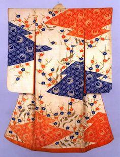 Furisode kimono, third quarter of the nineteenth century (Late Edo period). Japanese Textiles, Japanese Patterns, Japanese Fabric, Japanese Design, Japanese Art, Furisode Kimono, Kimono Fabric, Yukata, Traditional Kimono