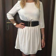Robe blanche crème légèrement dos nus ba&sh taille 38/40 de marque . Taille 38 / 10 / M à 20.00 € : http://www.vinted.fr/mode-femmes/robes-dete/37085471-robe-blanche-creme-legerement-dos-nus-bash-taille-3840.