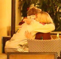 Selena Gomez & Justin Bieber Love Will Remember, Justin Bieber Selena Gomez, Marie Gomez, Best Couple, Cute Couples, Couple Photos, Ship, Goals, Babies