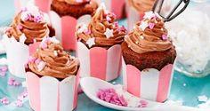 Mini cupcakes med chokolade og hindbær frosting