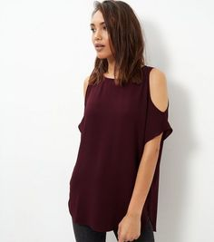 Shop Dark Purple Cold Shoulder T-Shirt . Discover the latest trends at New Look. Latest Fashion For Women, Teen Fashion, Fashion Outfits, Womens Fashion, Purple Shirt Outfits, Dark Purple, New Look, Latest Trends, T Shirt