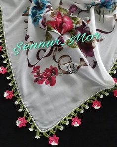 Elcin Sangu, Apron, Fashion Beauty, Pink, Towels, Projects, Floral Theme, Colorful Flowers, Headboard Cover