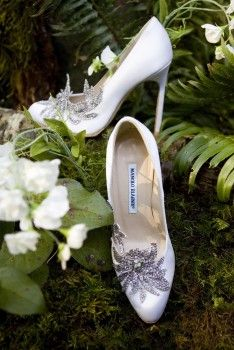 Twilight Wedding shoes. Seriously. Yesss!