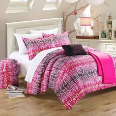 Features:  -Set includes: 1 Reversible comforter, 1 sham, 2 decorative pillows.  -Waves collection.  -Material: 100% Polyester.  -Back-to-school fun and exciting pattern.  -Soft microfiber fabric.  -P