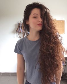 Insta: Curly hair / Long hair / Cabelo enrolado – ondulado – comprido kristen cavelleri 57 Of The Most Beautiful Long Hairstyles with Bangs Face Shape Hairstyles, Easy Hairstyles For Long Hair, Long Curly Hair, Long Hair Cuts, Curled Hairstyles, Wavy Hair, Pretty Hairstyles, Long Hair Styles, Summer Hairstyles