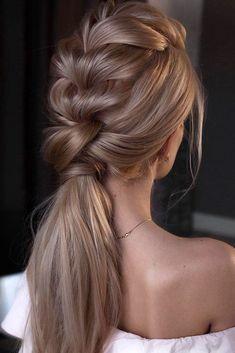 Hair How-To: An Effortless Top Knot Tutorial From Amber Fillerup Clark, Frisuren, Nice blonde gold braid design. Cute Hairstyles, Braided Hairstyles, Wedding Hairstyles, Hairstyles 2018, African Hairstyles, Hairstyle Ideas, Perfect Hairstyle, Woman Hairstyles, Halloween Hairstyles