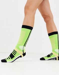 Find the best selection of ASOS 4505 ski socks in neon green. Shop today with free delivery and returns (Ts&Cs apply) with ASOS! Skinny Inspiration, Asos, Ski Socks, Green Fashion, Neon Green, Skiing, Shopping, Fat, Style