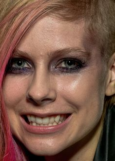 Avril Lavigne without retouching. #Photoshop For contrast: http://pinterest.com/pin/389420698999196775/