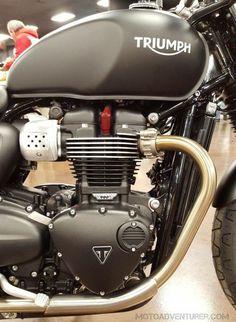 Triumph Street Twin 900cc motor