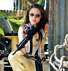 Angelina Jolie Tomb Raider Angelina Jolie, Lara Croft Angelina Jolie, Angelina Joile, Brad Pitt And Angelina Jolie, Angelina Jolie Photos, Jolie Pitt, Beautiful Celebrities, Beautiful People, Beyonce